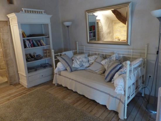 Saint-Maximin, France: relaxing lounge area