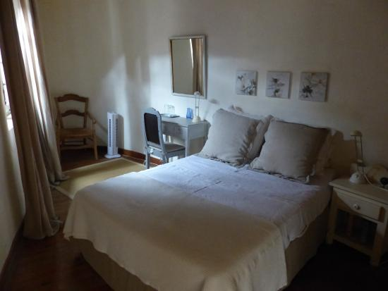 Saint-Maximin, France: very comfy bed