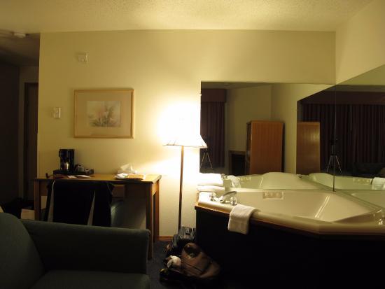 Alpine Inn: the bedroom