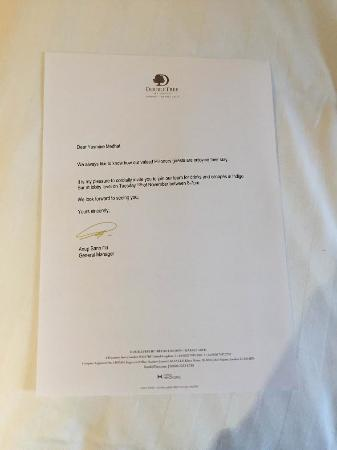 DoubleTree by Hilton Hotel London - Marble Arch: Nice gesture invitation