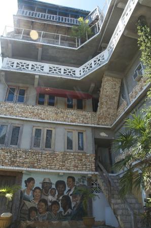 Punta Gorda, Belize: Rear Hotel Rooms and Suites