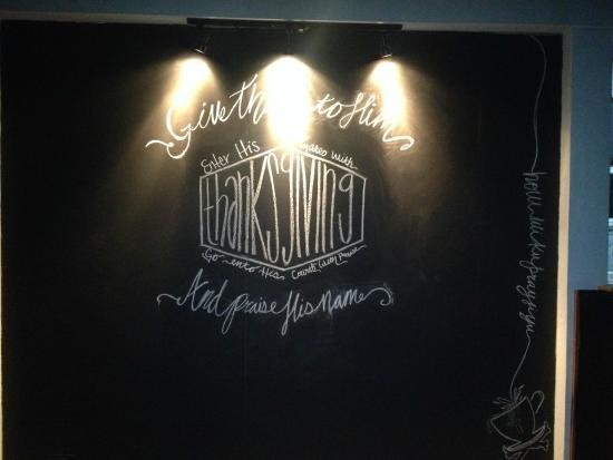 Punta Gorda, Belize: Boneville Cafe Chalkboard Prayer wall
