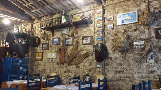 decoraç u00e3o rustica do resturante Foto de Farol Velho Bistr u00f4, Arraial do Cabo TripAdvisor -> Decoração De Restaurante Rustico
