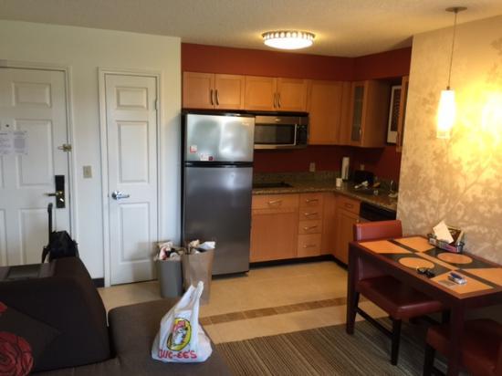 Residence Inn Waco : Kitchenette