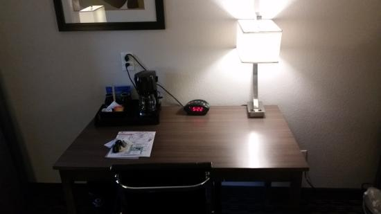 BEST WESTERN PLUS Austin City Hotel: Desk