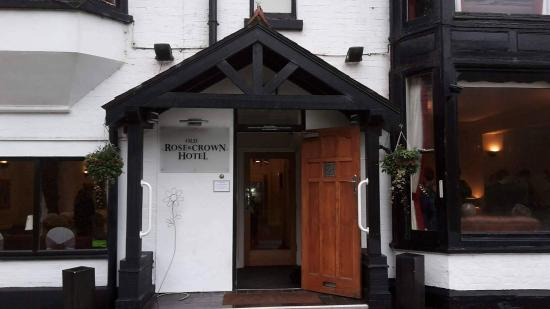 Old Rose and Crown Hotel: Front of the hotel