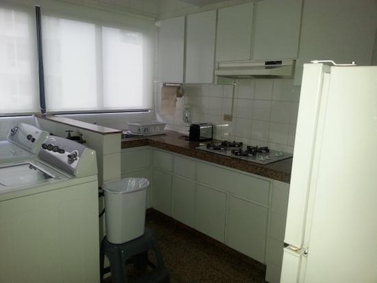 Aparthotel Torres de Alba: Standard Kitchen