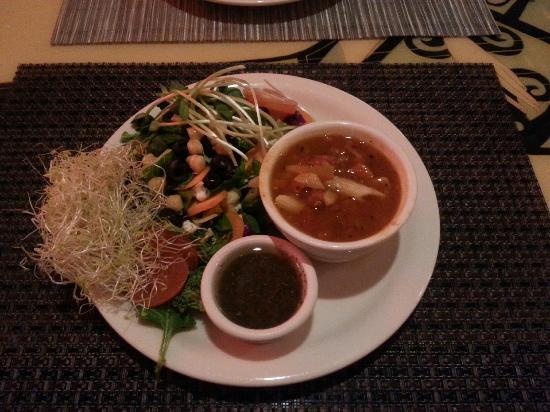 The Roxy Encinitas: Soup & Salad