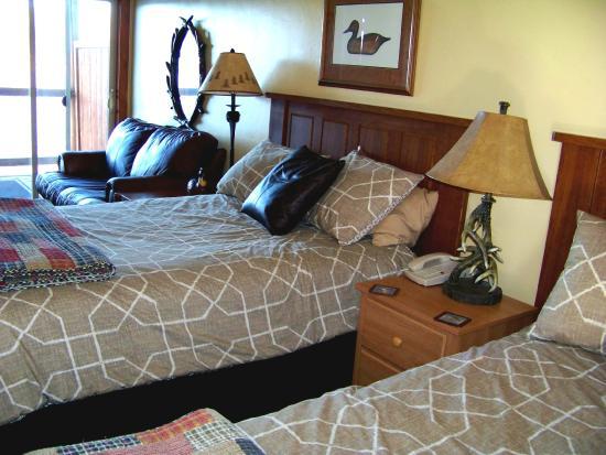 Harrison, ID: Room six -- double beds -- duck room