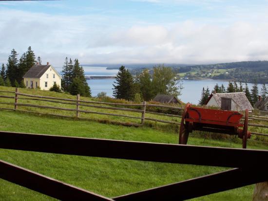 Iona, Canadá: Farms and Church