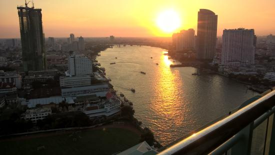 Chatrium Hotel Riverside Bangkok Photo