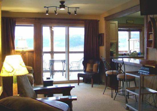 Harrison, ID: Room 13 - Living area