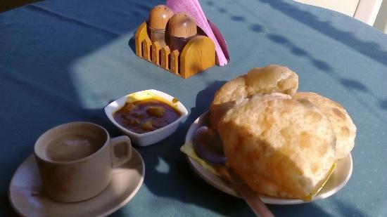 Bhammar's Inn: Indian breakfast