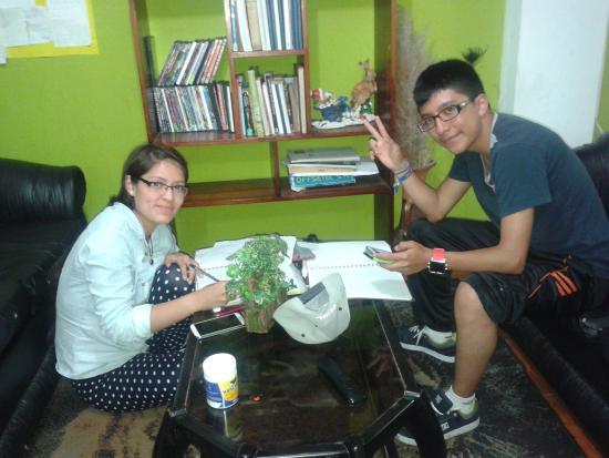 Cana Limena Hostal: sala de estar