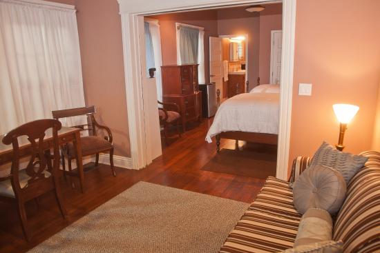 The Inn at 657: one bedroom suite with 2 twin beds