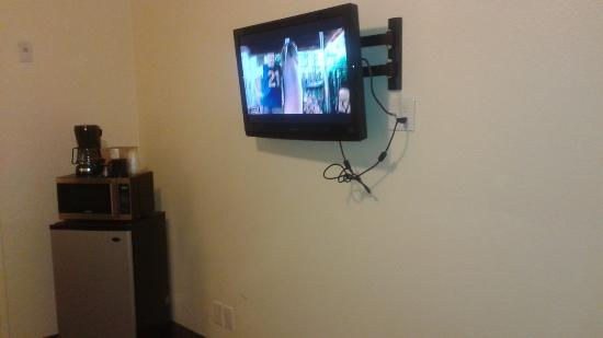 West Park Inn Hanging Flat Screen Tv Only Positive Thing About The Room