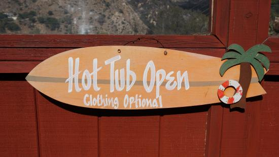 Arroyo del Sol Clothing Optional Bed and Breakfast: hot tub area