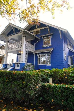 Douglas Guest House: Second bed and breakfast