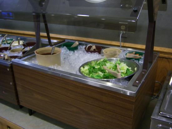 ‪‪Bath‬, نيويورك: Salad bar at Chat-A-Whyle‬