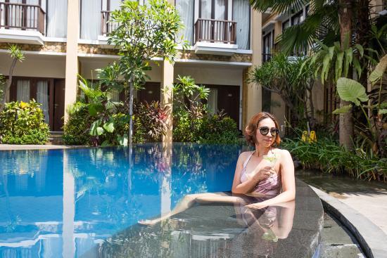 Suris Boutique Hotel: swimming pool 2