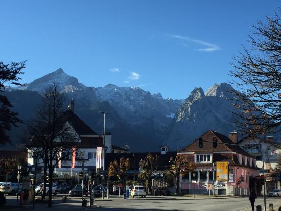 утро2 - Picture of H+ Hotel Alpina Garmisch-Partenkirchen ...