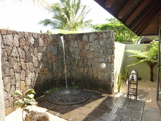 Four Seasons Resort Mauritius at Anahita: Outdoor shower