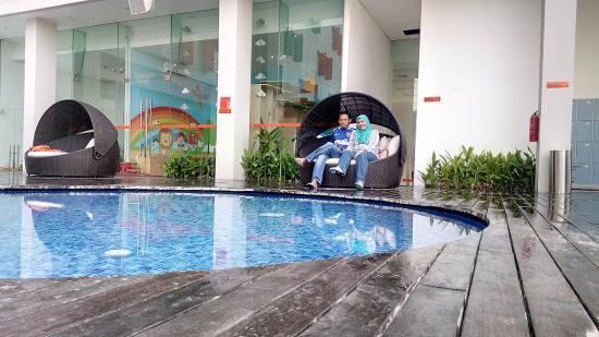 HARRIS Hotel Conventions Gubeng Surabaya Kolam Renang
