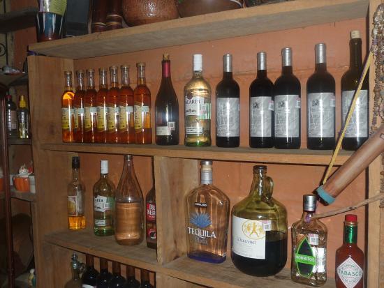 El Tuito, Meksyk: Bottles for sale