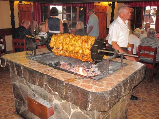 Stara Lesna, Słowacja: Grill im Lokal