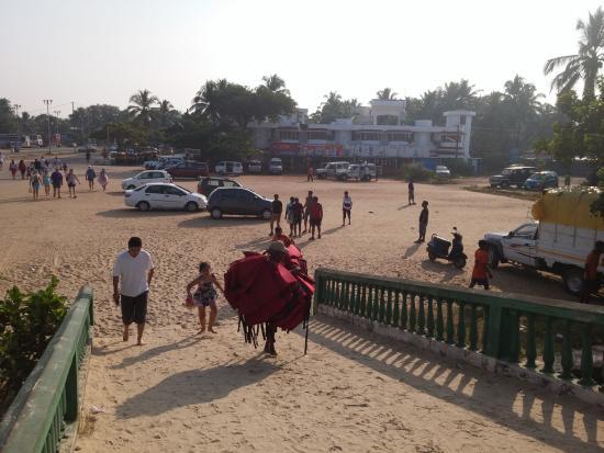 Vincy Beach Resort : Вид на отель со стороны пляжа