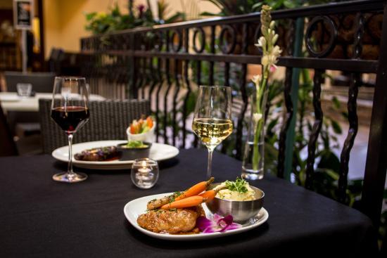 Concord, كاليفورنيا: Vineyards Restaurant & Bar