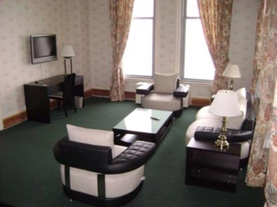 Congress Plaza Hotel: Sofas
