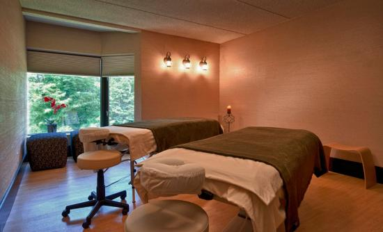 Woodcliff Hotel and Spa: Couples Massage at Woodcliff