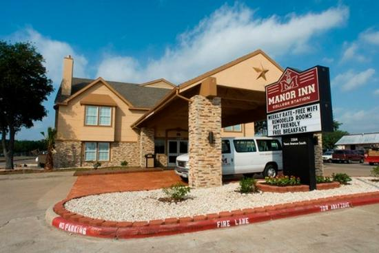 Manor Inn College Station: Hotel Exterior