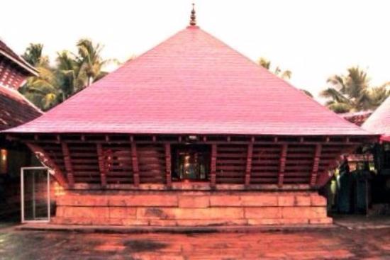 Kollengode, Индия: Namaskara Mandapam