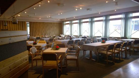 Hotel Jussantupa: Restaurant (folding wall at the end)