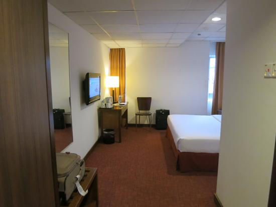 Jewels Hotel: view of room as you enter