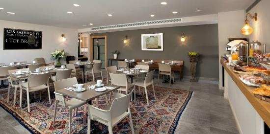 Sea Executive Suites: Dining Room