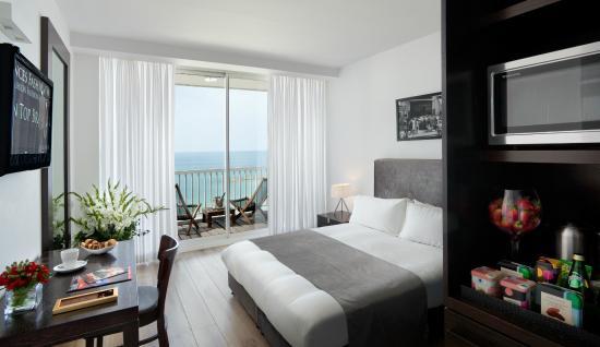 Sea Executive Suites: Studio Deluxe Room