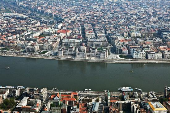 Budapest Aircruise sightseeing flights