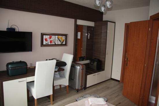 Guest House Plitvicka: Neue Möbel