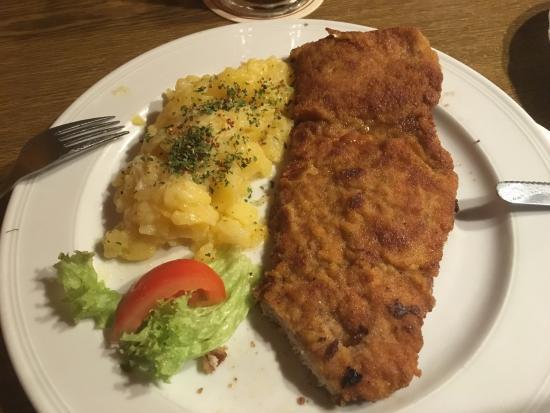 Heiligenstadt, Deutschland: Schnitzel mit Kartoffelsalat