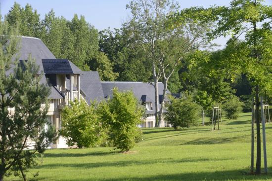 Tourgeville, Francja: Park at Les Manoirs de Tourgéville-Deauville