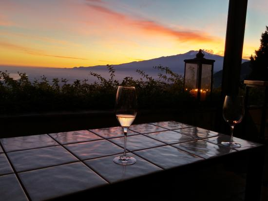 Hotel Villa Ducale: Welcome glass of Prosecco