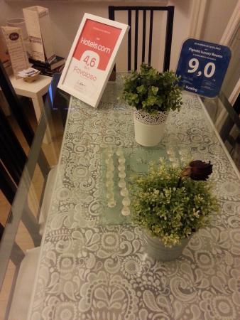 Pigneto Luxury Rooms : Common area + kitchen