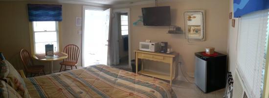 The Inn at River Oaks: Room 15 (Single Queen)