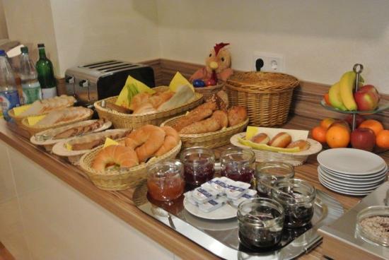 Hotel Garni Nuernberger Trichter : Frühstücksbuffet