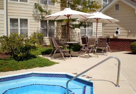 Troy, Οχάιο: Outdoor Whirlpool Spa