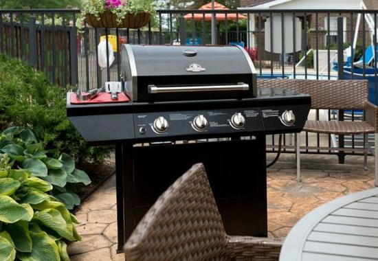 Middleburg Heights, Οχάιο: Outdoor Patio & Grill