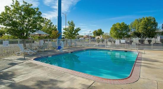 Motel 6 Red Bluff : pool